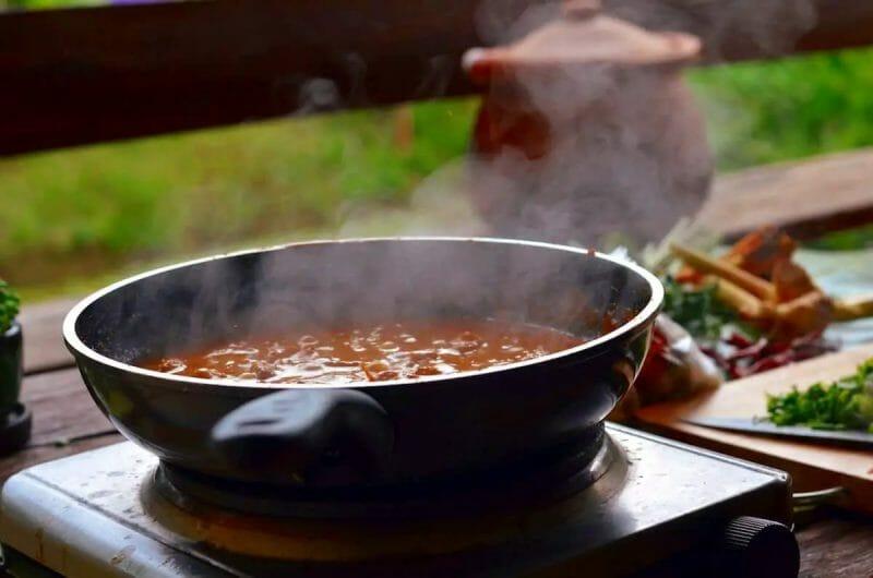 steaming khao soi